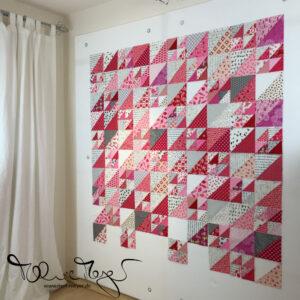 Pink HSTs Quilt   mell-meyer.de
